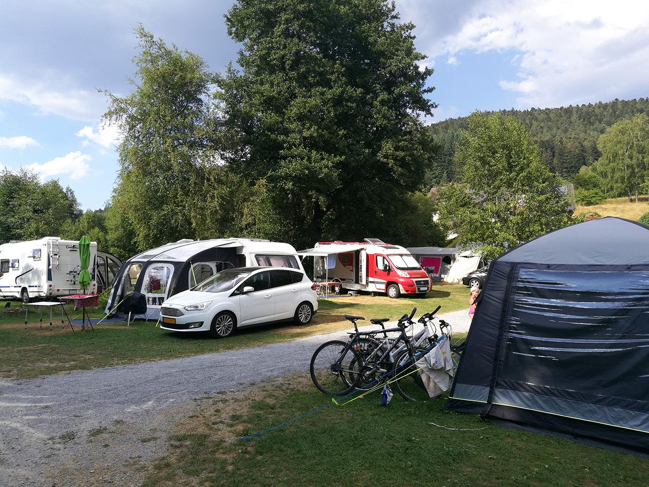 Camping Alpirsbach / Blick über den Platz